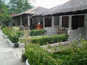 Barefoot White Beach Super Deluxe Accommodation Small Image