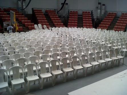 Tablones y sillas plasticas madera plegables reforzadas - Fabricas de sillas en lucena ...