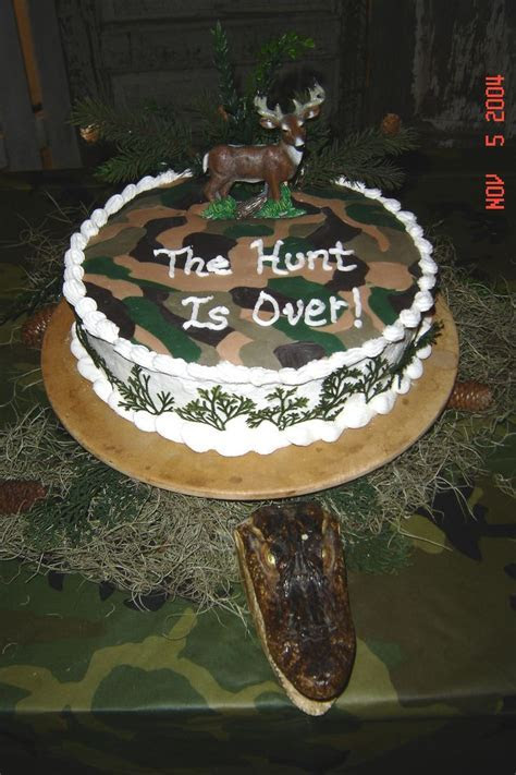 17 Best images about wedding cakes on Pinterest   Camo