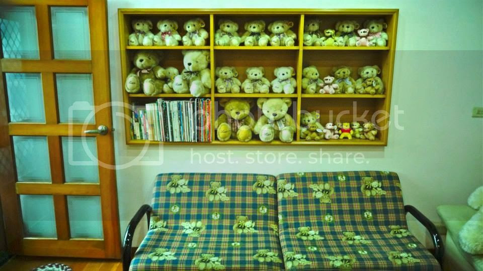 Our cute homestay had really, just too many bears. photo 544467_10151806264141202_407286678_n.jpg