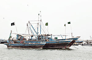 English: Fishing Boats at Karachi Harbour