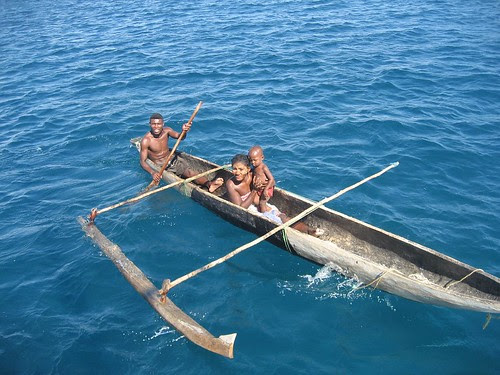 canoe with ama Nosy Lava