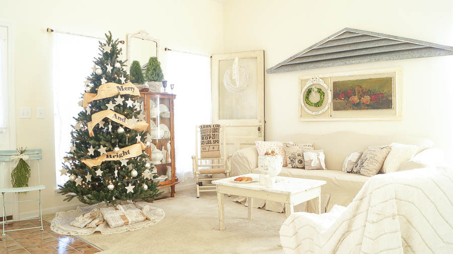 White Lace Cottage Christmas Home Tour-9