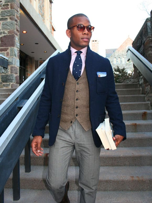 what to wear with a navy blazer blue blazer outfit