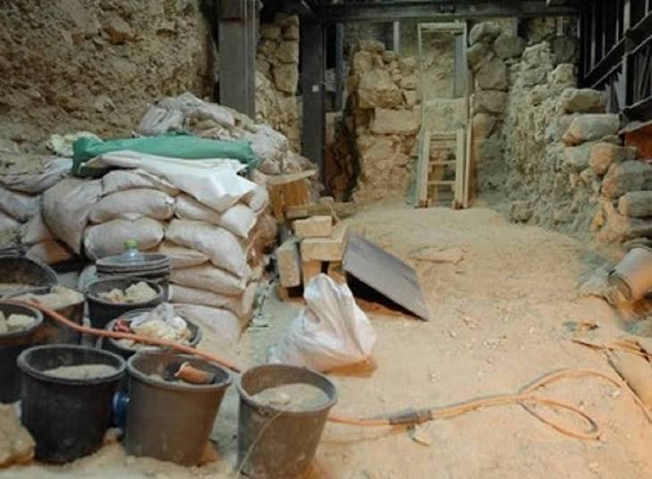 A Cidade da Primavera é a maior fortaleza cananeia que ainda resiste ao tempo.Os arqueólogos da Autoridade de Antiguidades de Israel acreditam também que é a maior fortaleza conhecida que existe antes do reinado de Herodes