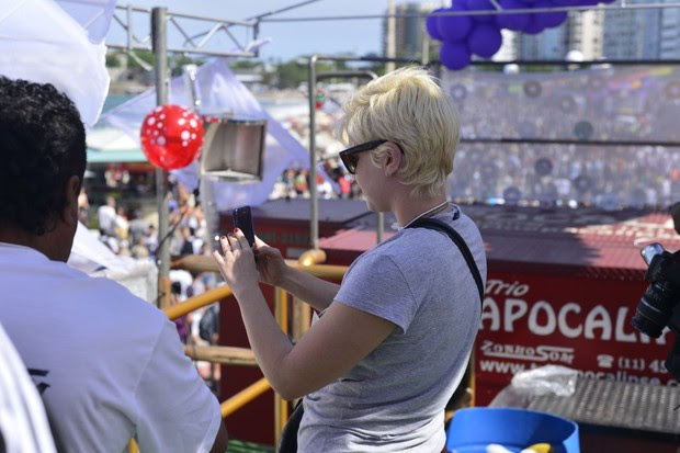 Leandra Leal na Parada Gay (Foto: André Muzell/ Ag. News)