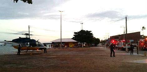 Aviões e ambulância chegaram à praia para realizar as bucas / Foto: Álvaro Melo/Facebook