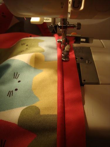 New Look  view E: cat bag in progress!  ipper foot in action