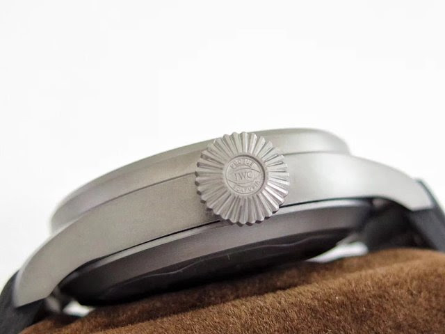 IW510301 Crown