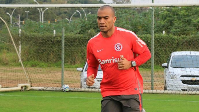 Rodrigo Moledo, zagueiro do Inter (Foto: Diego Guichard)