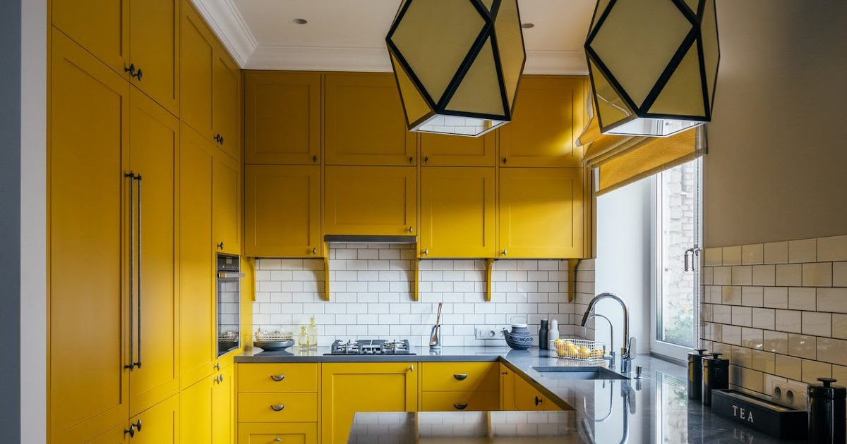 Get Pale Yellow Yellow Kitchen Walls With Oak Cabinets Gif ...