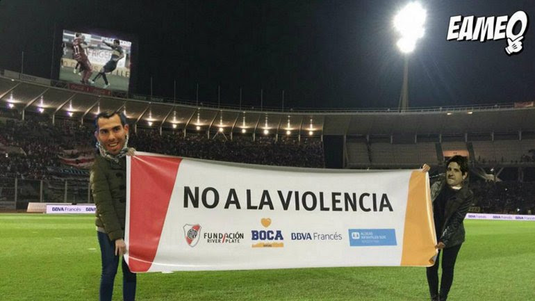 Los afiches de River a Boca tras el Superclásico en Córdoba.