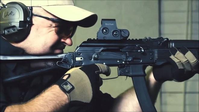 Những mẫu súng ngoại được lực lượng vũ trang Nga ưa chuộng - Ảnh 7.