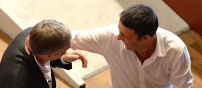 Gianni Cuperlo e Matteo Renzi (Ansa)