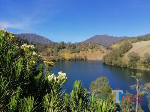 100 Gambar Pemandangan Gunung Indah HD