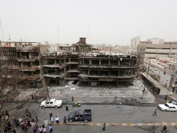 Centro comercial de Karrada, distrito xiita da Bagdá, ficou destruído no ataque  (Foto:  Ahmed Saad/Reuters )