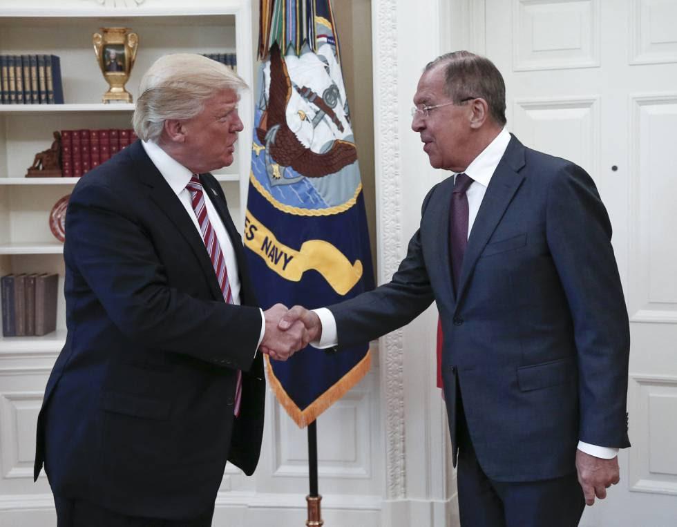 Donald Trump, ayer en Washington con el ministro ruso de Exteriores, Sergei Lavrov.