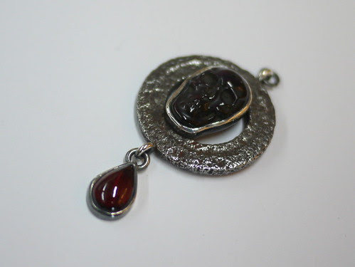 Obsidian Skull, Garnet and Washer