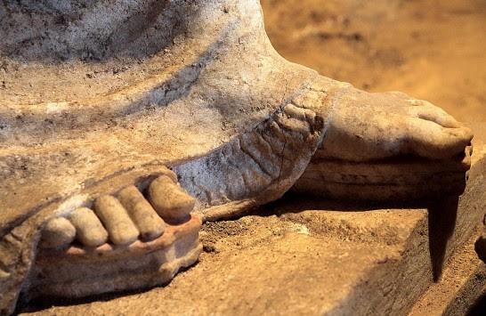 `Ο τάφος της Αμφίπολης πιθανόν ανήκει στην Ολυμπιάδα, τη μητέρα του Μεγάλου Αλεξάνδρου`