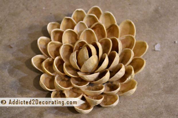 fıstık-kabuklarından-çiçek-yapımı