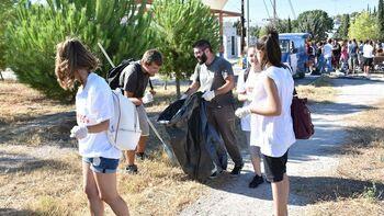 Το πάρκο «Τρίτση» είναι λαϊκή περιουσία είπαν εκατοντάδες που συμμετείχαν στον καθαρισμό του (VIDEO - ΦΩΤΟ)