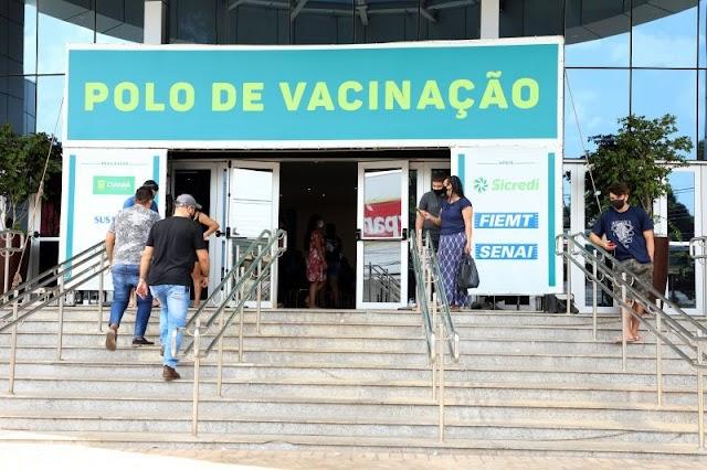 Doses de reforço para trabalhadores da saúde são específicas para quem recebeu as duas anteriores em Cuiabá