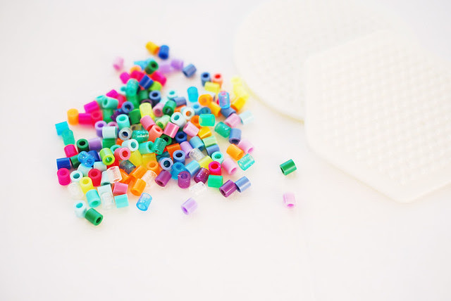 25 crafts of christmas // fuse beads