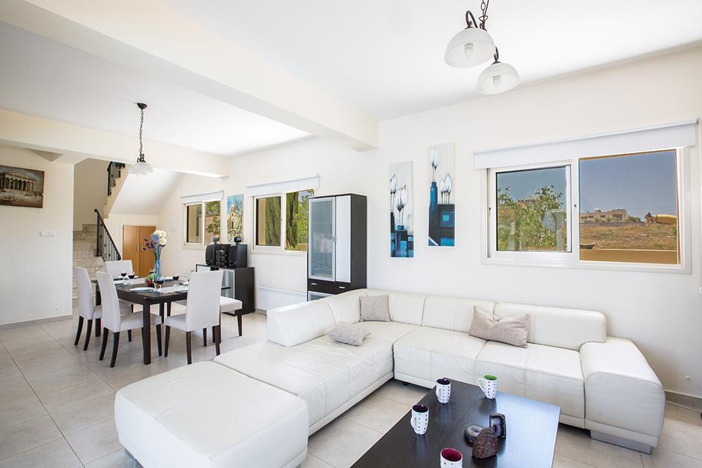 Review Villa Orka, Beautiful 3 Bedroom Protaras Villa