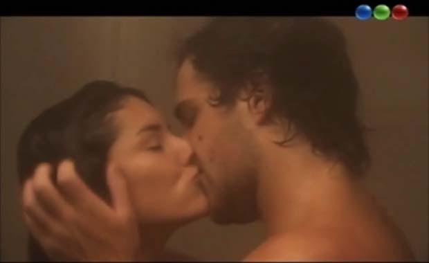 Fuerte escena de sexo de Peter Lanzani en La Dueña