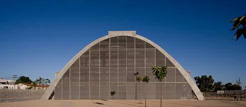 Parte de la función del edificio es hacer visible y comprensibles los principios de la arquitectura bioclimática.
