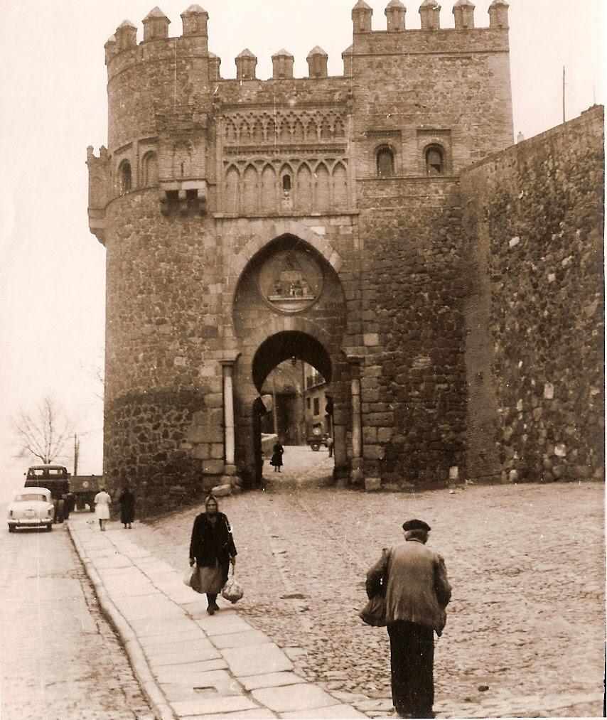 Puerta del Sol, años 50. Fotografía de Eduardo Butragueño Bueno