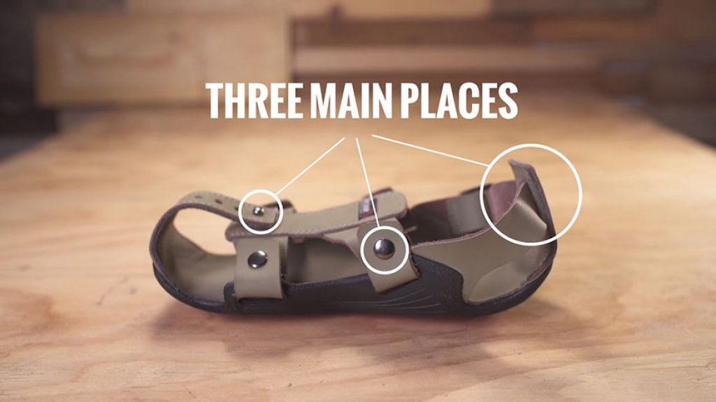 Este inventor criou sandálias que crescem até 5 medidas para ajudar milhões de crianças sem recursos 04
