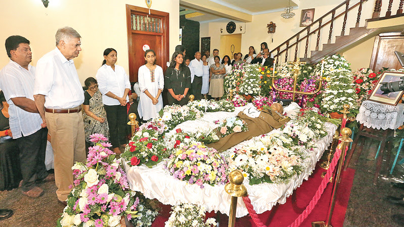 PM paid his last respects to former Senior DIG