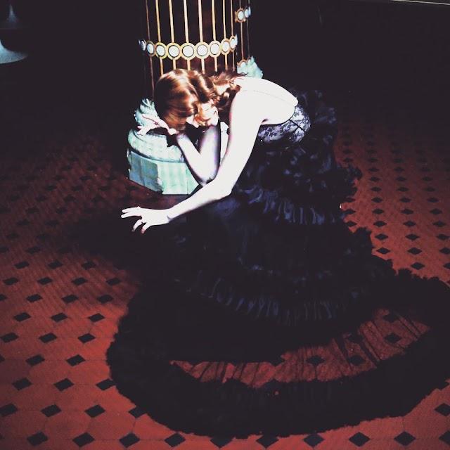 Florence Welch em fotos para a Gucci