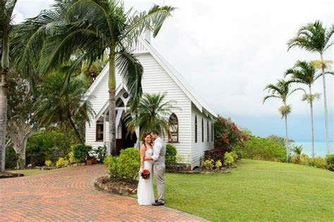 13 of the most romantic Whitsundays wedding venues