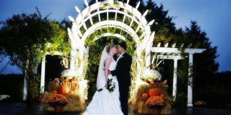 vineyards  aquebogue weddings  prices