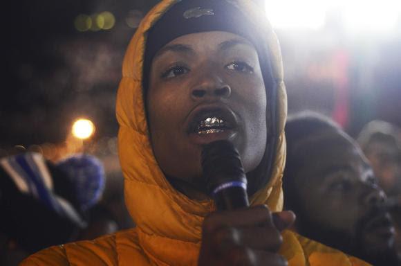 Manifestantes exigen liberación de estudiante secuestrado por la policía en Baltimore