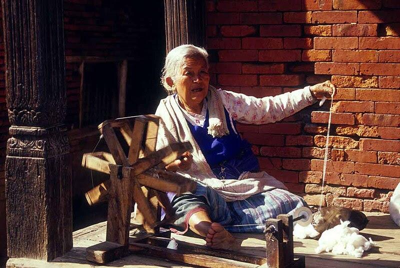 Plik:Nepali charka in action.jpg