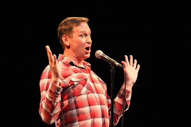 """Scott Thompson in """"Two Kids One Hall"""""""
