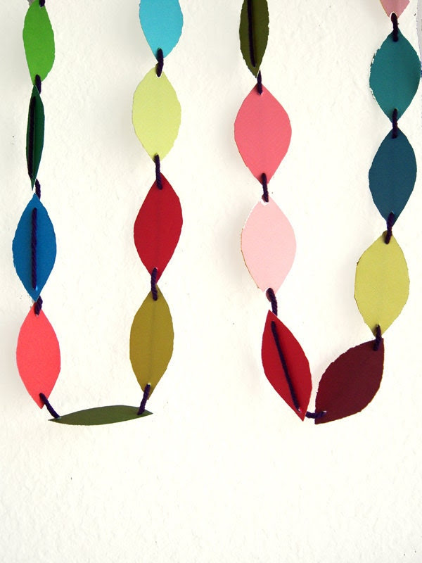 Paper Garland Multi Colored 10 ft torn oval edges