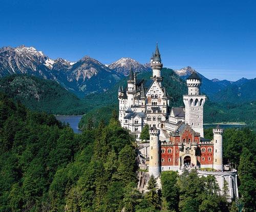 Картинки по запросу древние Крепости, замки, кремли