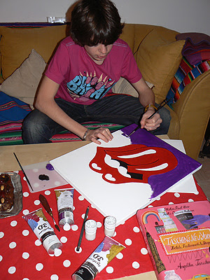paul et la langue des Rolling Stones.jpg