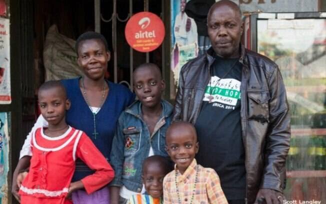 Após ser solto, Mpagi se tornou catequista, e todos os dias visita prisões para rezar com os presos