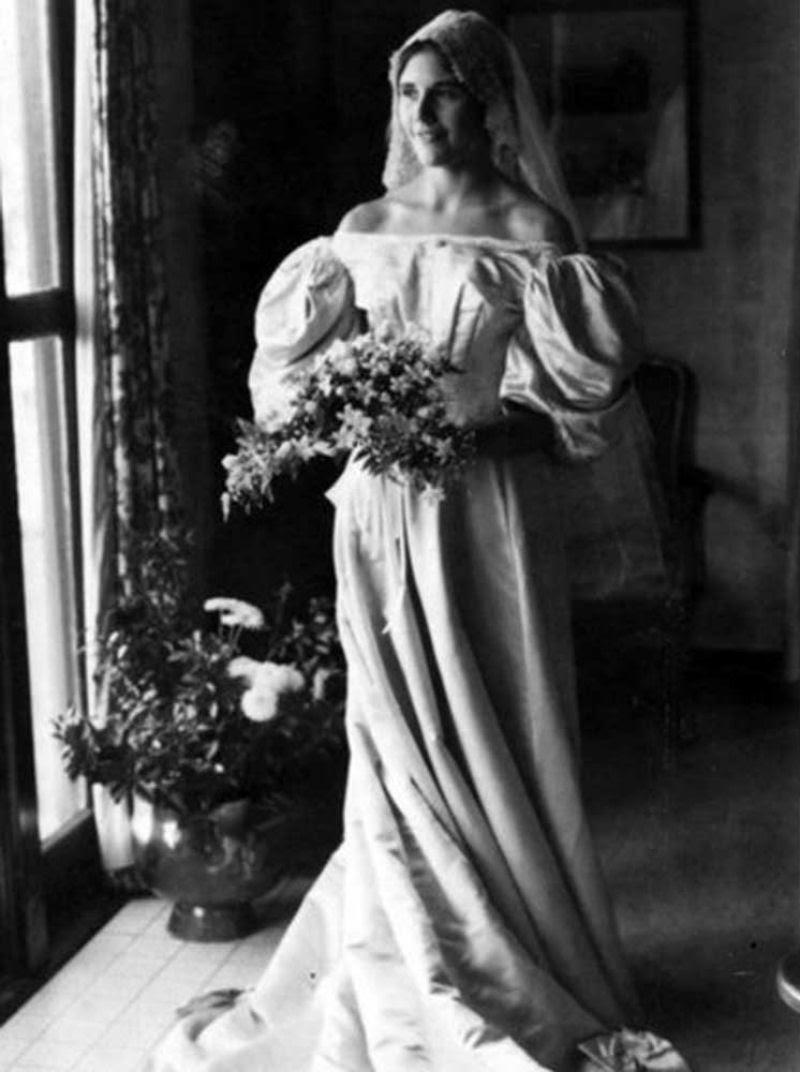 Todo mundo viu este vestido de noiva de 120 anos de antiguidade, exceto uma pessoa 05