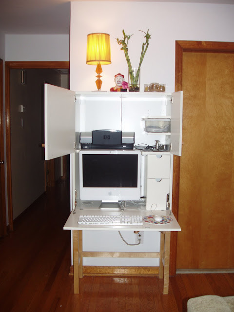 iMac computer cabinet