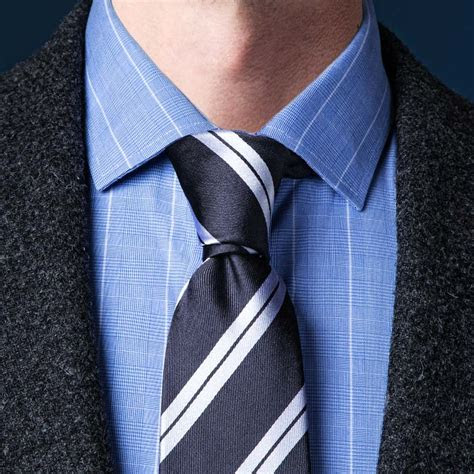How To Tie A Necktie   Different Ways Of Tying A Tie