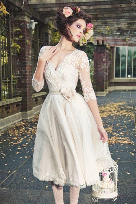 Graceful Wedding Dresses Tea Length Half sleeves V neck