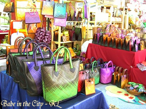 Modern bags done by weaving mengkuang leaves