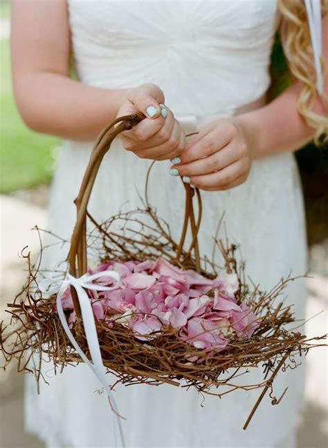 26 Easy Ways To Use Baskets At Your Wedding   Weddingomania