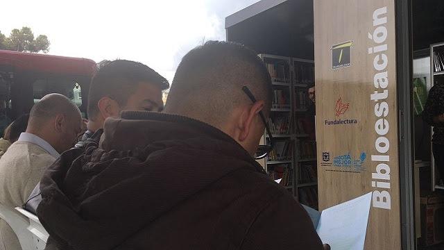 Biblioestaciones de TransMilenio tienen 52.000 inscritos - Foto: TransMilenio